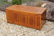 Zahradní nábytek Liška Zahradní dřevěná truhla na polstry s povrchovou úpravou