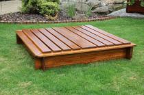Zahradní nábytek Liška Zahradní dřevěné pískoviště s krytem s povrchovou úpravou