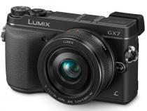 PANASONIC Lumix DMC-GX7 + 20 mm