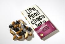 Lifefood Chocolate s kousky ořechů a třešní 70g