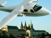 Let letadlem nad historické centrum Prahy