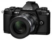 Olympus E-M5 Mark II + 12-50 mm