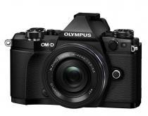 Olympus E-M5 Mark II + 14-42 mm EZ