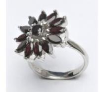 Čistín stříbrný prsten, přírodní granát 6,89 g