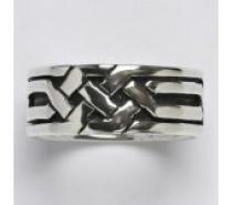 Čistín stříbrný prsten s patinou, 8,80 g
