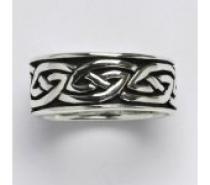 Čistín stříbrný prsten s patinou, 7,62 g