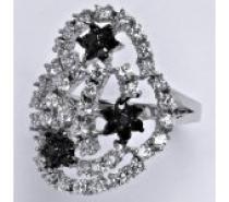 Čistín stříbrný prsten s čirými a černými zirkony, 6,52 g