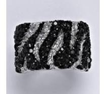 Čistín stříbrný prsten s čirými a černými zirkony, 11,04 g