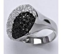 Čistín stříbrný prsten, syntetický čirý a černý zirkon, 8,8 g