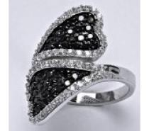 Čistín stříbrný prsten, syntetický čirý a černý zirkon, srdce, 8,23 g
