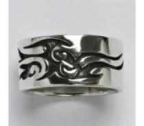 Čistín stříbrný prsten s patinou, 12,11 g