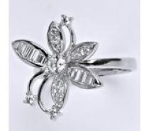Čistín stříbrný prsten s čirými zirkony, 5,83 g