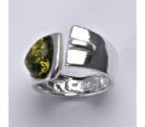 Čistín stříbrný prsten s přírodním jantarem, 5,33 g