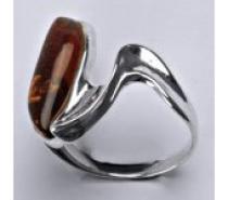 Čistín stříbrný prsten s přírodním jantarem, 5,94 g
