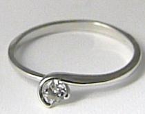 Zlatokov Zlatý zásnubní prsten z bílého zlata se zirkonem 585/1,26gr Z085