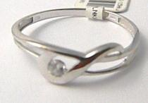 Pretis zlatý prsten se zirkonem 585/0,95gr P463