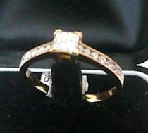 Pretis Zásnubní zlatý diamantový prsten 585/2,85gr