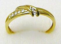 Pretis zlatý prsten posetý zirkony 8ks 585/1,77gr P279