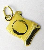 Marcello Diamant Zlatý přívěsek- písmenko v pergamenu s gravírováním 585/0,40gr T195
