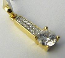 Pretis Zlatý přívěsek posetý zirkony s centrálmí velkým zirkonem 585/1,20gr P471