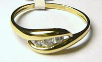 Pretis velký zlatý prsten se 3ks zirkonů/1,57gr P056