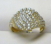 velký zlatý prsten posetý zirkony 585/1,74gr H278