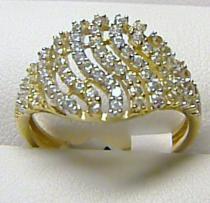 velký zlatý prsten posetý zirkony 585/1,65gr H279