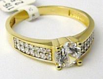 Pretis zlatý zásnubní prsten se zirkony a centrálním zirk. 585/2,5g P490