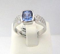 Optima Diamant prsten z bílého zlata osazený modrým safírem -/4,24gr