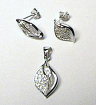 Luxusní stříbrná souprava posetá zirkony náušnice + přívěsek