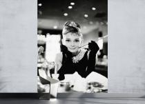1Wall Audrey Hepburn u Tiffanyho 158x232