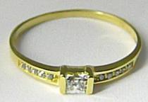 Zlatokov Zásnubní zlatý velký prsten posetý zirkony 585/1,24gr Z080 223041300