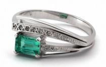 Optima Diamant Zlatý prsten se zeleným přírodním smaragdem a diamanty 585/3,68gr J-20219-11
