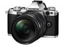Olympus E-M5 Mark II + 12-40 mm + 45 mm