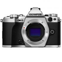 Olympus E-M5 Mark II + 25 mm