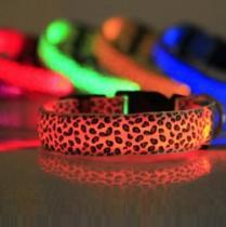 Reedog svítící obojek pro malé, střední a velké psy gepard - růžová 42 - 60 cm
