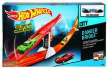 Mattel Hot Wheels Nebezpečný most