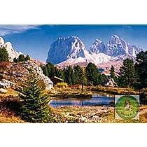 Jezero v Dolomitech