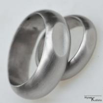 Kované nerezové snubní prsteny s ozdobou