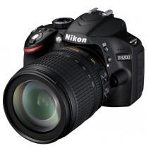 Nikon D3200 + 18-105 mm AF-S DX VR