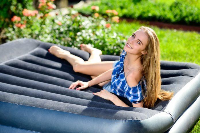 Nafukovací a skládací matrace